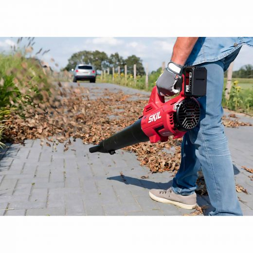 SKIL Pwr Core 20  Brushless Leaf Blower Kit