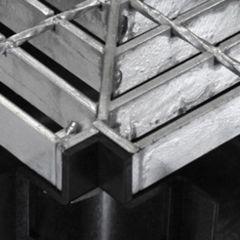 Black Plastic 90 Degree Corner With Galvanized Steel Grate