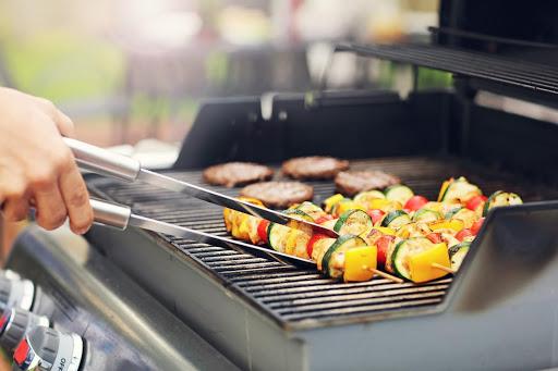 bbq grilling kebabs