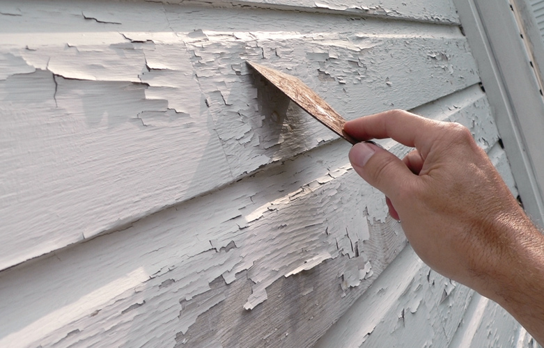Painting house siding