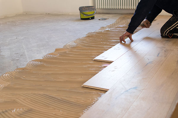 Mid-tone vinyl flooring