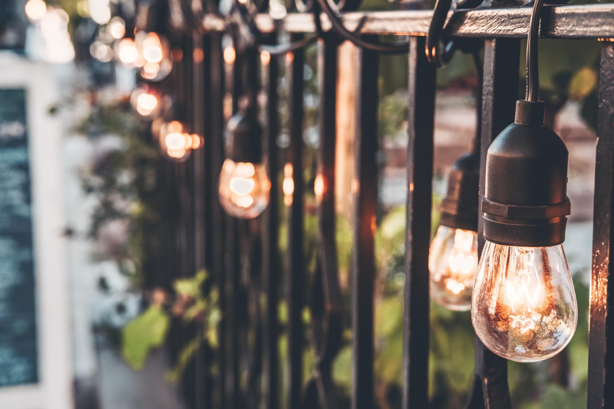 fence string lighting